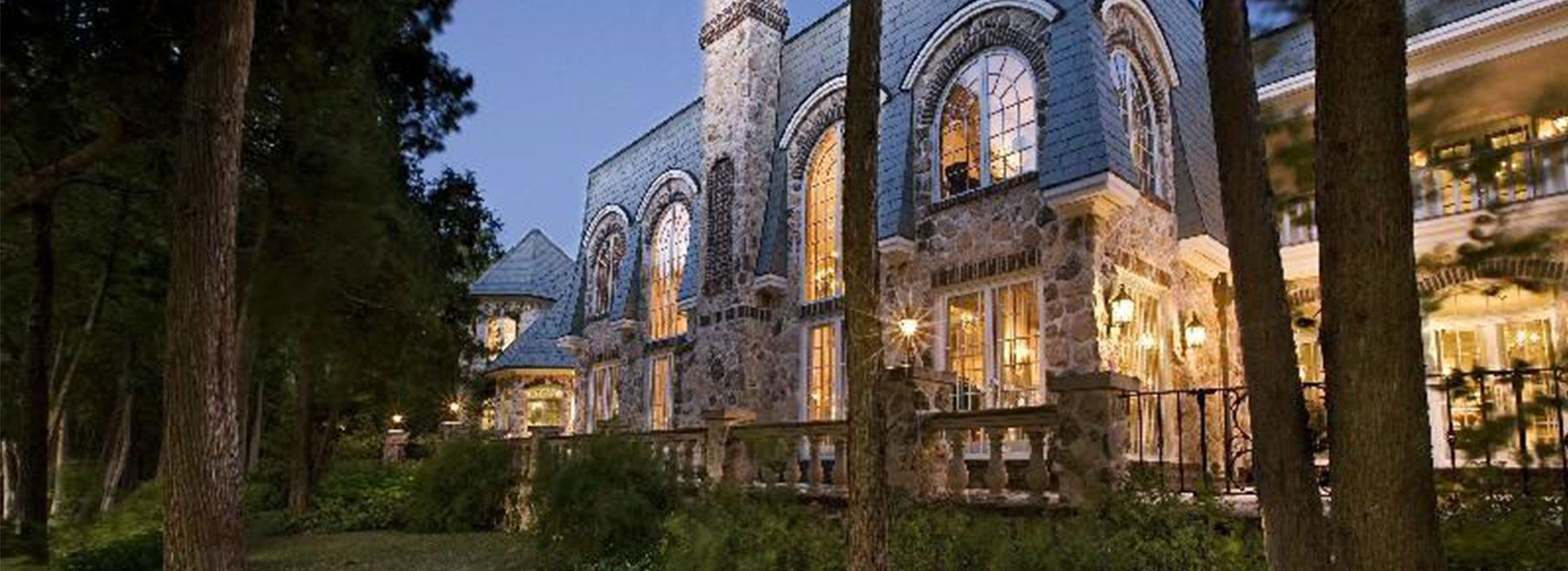 Property of the Week: Great Lakes Mansion, for less than
