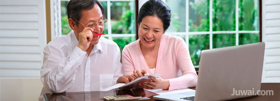 chinese retiree couple
